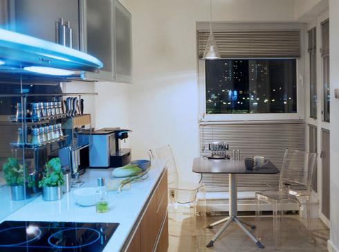 Дизайн кухни с газовой колонкой на