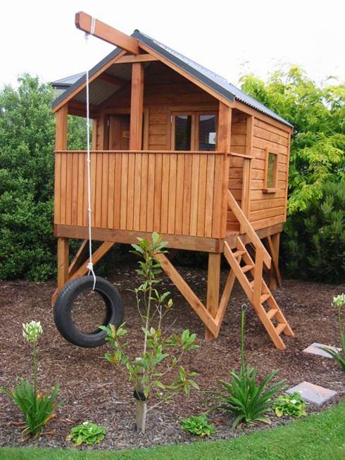 Я сделал домик для ребенка на даче своими руками