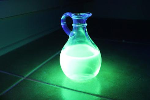 Как в домашних условиях сделать светящуюся воду