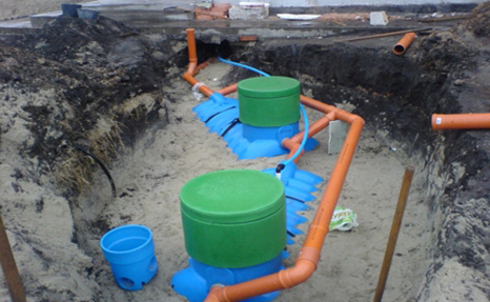 ugol-naklona-truby-kanalizacii-08