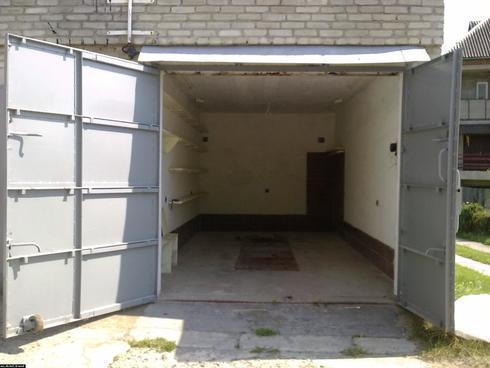 pol-v-garazhe-03