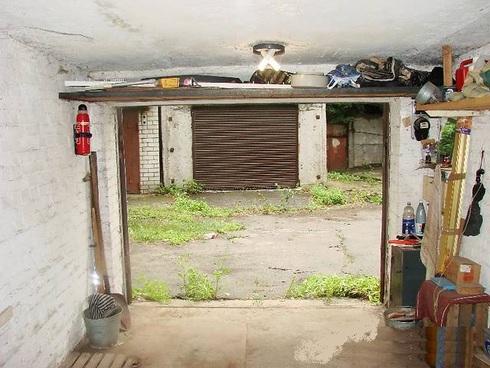 pol-v-garazhe-04