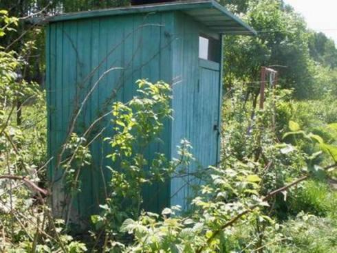 tualet-na-dache-01