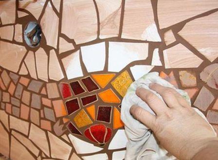 Как выложить мозаику из битой плитки своими руками