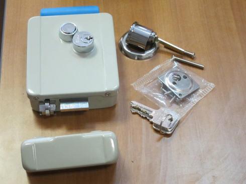 elektromehanicheskiy-zamok-01