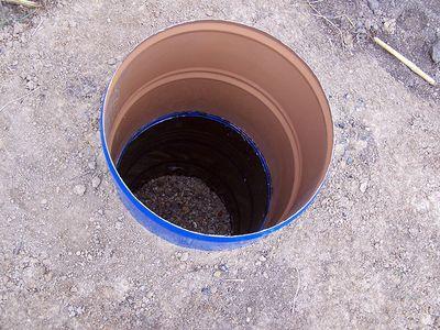 vykopat-yamu-pod-tualet_6